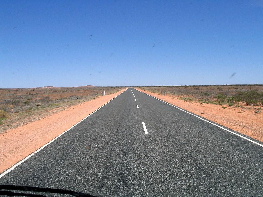 1024px-Stuart_Highway%2C_Australia.jpg