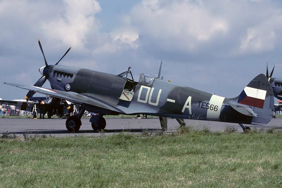 Supermarine 361 Spitfire LF9E AN2179550