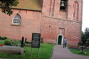 Leaning Tower of Suurhusen - Image: Suurhusen Church, East Frisia, Germany. Pic 03