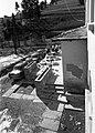 Szálloda (Cabana Gura Raului) a Királykő hegység lábánál, a terasz előtt két Skoda 1000 MB. Fortepan 16605.jpg