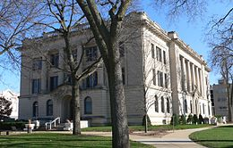 Tazewell County, Illinois courthouse from W 1.jpg
