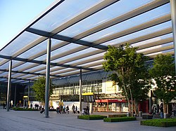Terminal 3 Forecourt - geograph.org.uk - 1289915.jpg