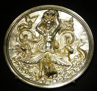Morgantina treasure - Pyxis with Scylla