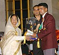The President, Smt. Pratibha Patil presenting the Arjuna Award -2006 to Shri Vijay Kumar for Shooting at a glittering function, in New Delhi on August 29, 2007.jpg