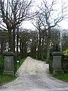 Zuydwijk: toegangshek met pijlers