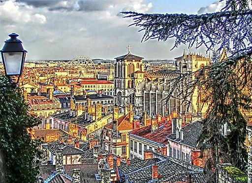 Toits vieux Lyon et Primatiale Saint-Jean