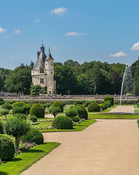 File:Tour des Marques Castle of Chenonceau 01.jpg