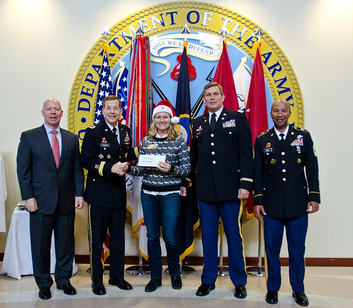 File:USARC Tree Lighting Ceremony and Holiday Open House ...