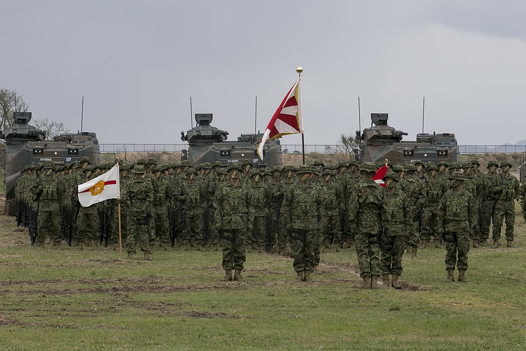 US Marine Corps photo 180407-M-OP674-046 BLT 1/1 Marines work alongside JGSDF during Japanese Amphibious Rapid Deployment Brigade's unit-activation ceremony.jpg