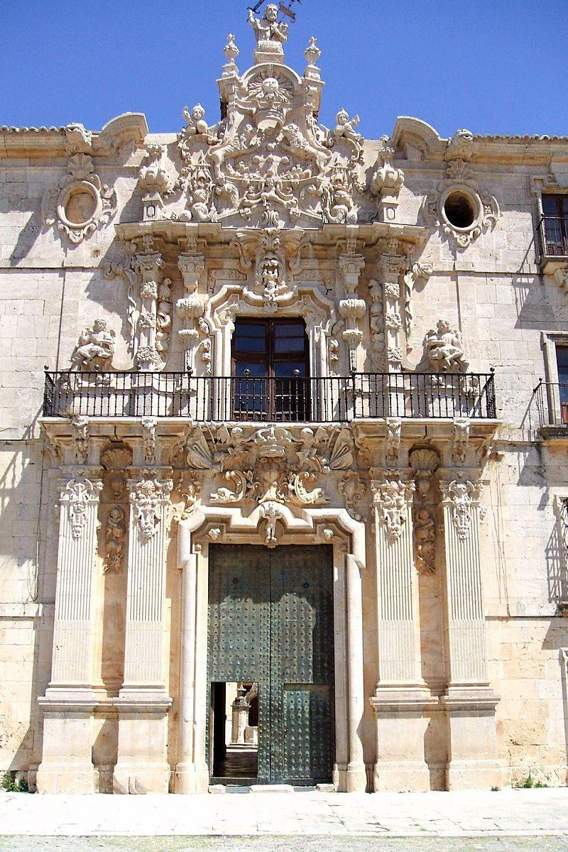 Uclés - Real Monasterio de Santiago 01.JPG