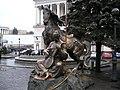 Ukraine-Kyiv-Maidan Nezalezhnosti-Mamai monument.JPG