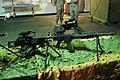 Una ametralladora ligera FN Minimi y un fusil de asalto H&K G-36E de la Infantería de Marina española (34292818173).jpg