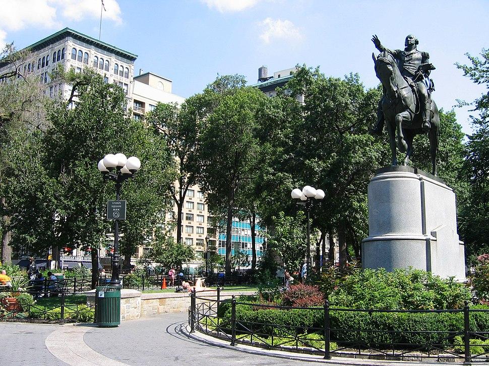 Union square statue2