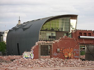 VR warehouses - Image: VR Makasiinit 5 Helsinki Finland 01 06 2006