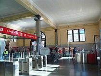 Vestíbul de l'estació de Sant Andreu Arenal.jpg