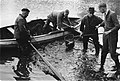 Vissers aan het afvissen in een vijver in park Sonsbeek te Arnhem, Bestanddeelnr 170-0546.jpg