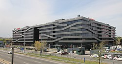 Vodafone offices (Av. América 115, Madrid) 01.jpg