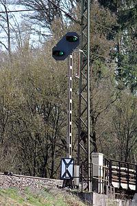 Vorsignale Streckenabschnitt Bahnhof Möhren (Bayern) (13516854745).jpg