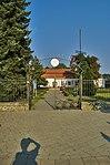 Vstup do areálu lázní před lázeňským domem Morava, Slatinice, okres Olomouc.jpg