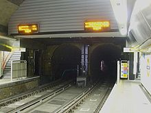Wapping station look south to Thames Tunnel.jpg