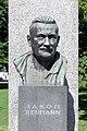 Wien - Denkmal der Republik, Jakob-Reumann-Büste.JPG