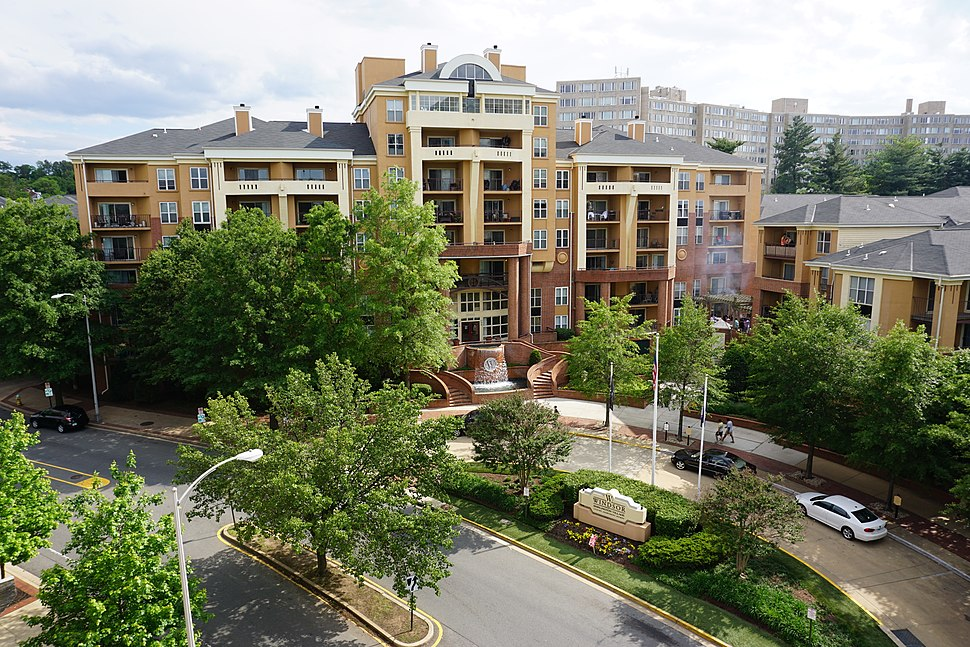 Windsor Apartments; Shirlington, Arlington, VA; 2014-05-17