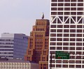 Wisconsin Gas Building - panoramio - Corey Coyle (1).jpg