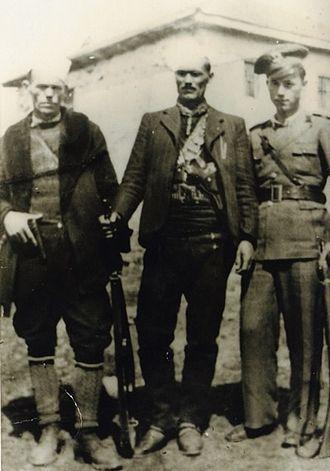 Albanian nationalism (Republic of Macedonia) - Xhem Hasa (centre) with his brothers, Musli Hasa (left) and Abdullah Hasa (right)
