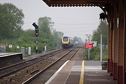 Yatton railway station MMB 24 221XXX.jpg