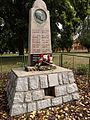 Říčany-Radošovice - pomník obětem válek na náměstí Československé armády (1).jpg