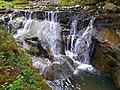 Водоспад Ковбер влітку.jpg