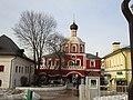 Надвратная церковь Зачатьевского монастыря (вид со стороны монастыря).jpg