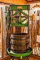 Старий прес для винограду, Музей винороба Чиза.jpg