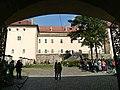 Ужгородський замок, вид з центральних воріт, Закарпатська обл.jpg