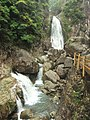 最佳观瀑角度 - Best Place to Watch the Cascade - 2010.04 - panoramio.jpg