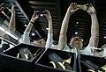 04.29 總統訪視「前瞻基礎建設:大埔美精密機械園區-卡羅爾銅管樂器觀光工廠」,員工們紛紛拿起手機捕捉總統身影 (34205885901).jpg