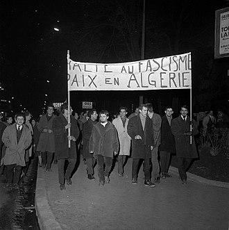 Organisation armée secrète - Demonstration against the OAS in January 1962.