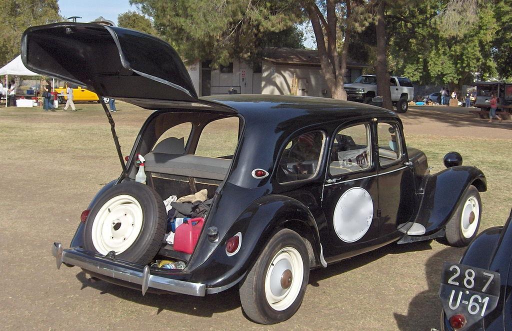 1024px-1938_Citroen_hatchback