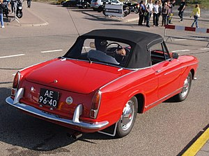 Fiat Pininfarina Cabriolet - Image: 1962 Fiat 1200 Cabriolet Pininfarina, Dutch registration AE 96 40 rear