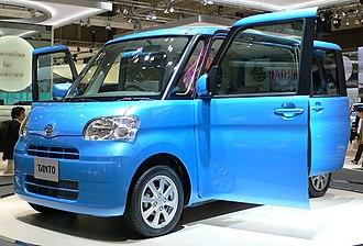 Daihatsu Tanto - Image: 2007 Daihatsu Tanto 01