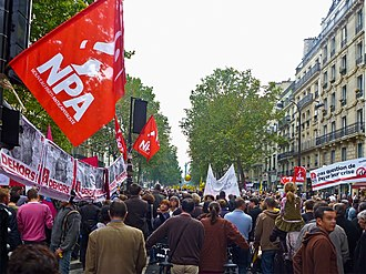 Far-left politics - Far-left New Anticapitalist Party during a demonstration against pension reform in October 2010 in Paris.
