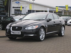 Jaguar XF I przed liftingiem