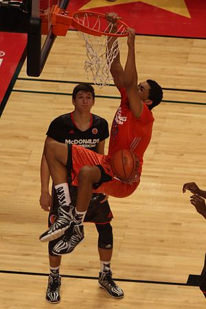 Karl-Anthony Towns - Towns dunking in the 2014 McDonald's All-American Boys Game