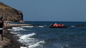 File:20150824 Syrians from Turkey plastic boat Eftalou Beach Lesvos Greece.ogv