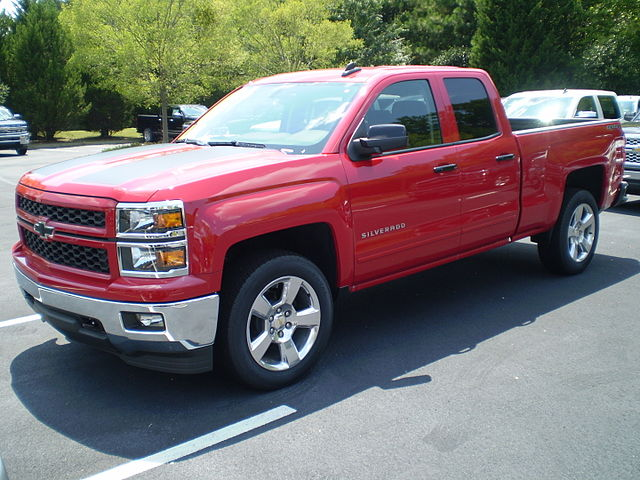 https://upload.wikimedia.org/wikipedia/commons/thumb/4/45/2015_Chevrolet_Silverado_double_standard_rally_1_observe.JPG/640px-2015_Chevrolet_Silverado_double_standard_rally_1_observe.JPG