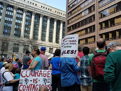 2017 Tax Day March in Chicago 14.jpg