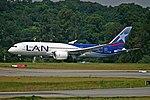 787-8 LATAM SBGR (33476205523).jpg