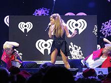 Ariana Grande al Jingle Ball nel dicembre 2013