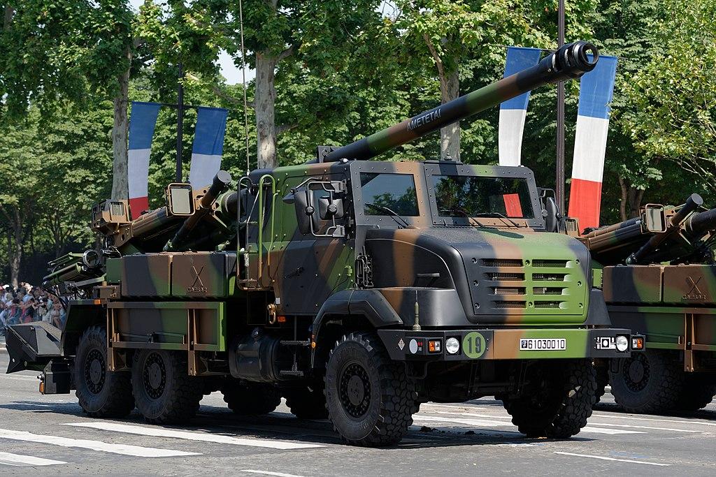 9th Light Armoured Marine Brigade Bastille Day 2013 Paris t114135.jpg