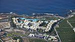 A0212 Tenerife, Hotel Gran Meliá Palacio de Isora in Alcalá aerial view.jpg